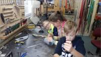 03-Kinder-bauen-Futterspender