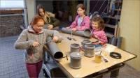 07-Kinder-bauen-Futterspender